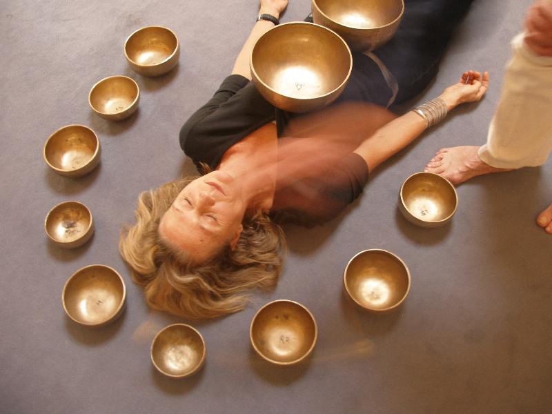 массаж тибетской чашей